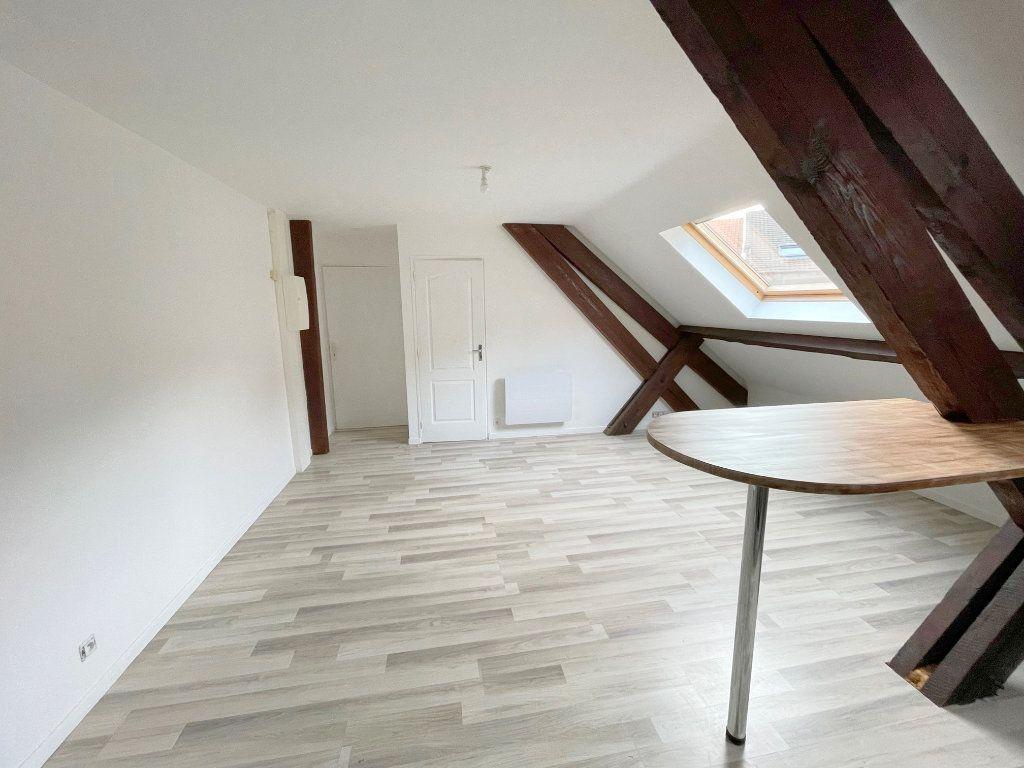 Appartement à louer 2 35m2 à Boulogne-sur-Mer vignette-2