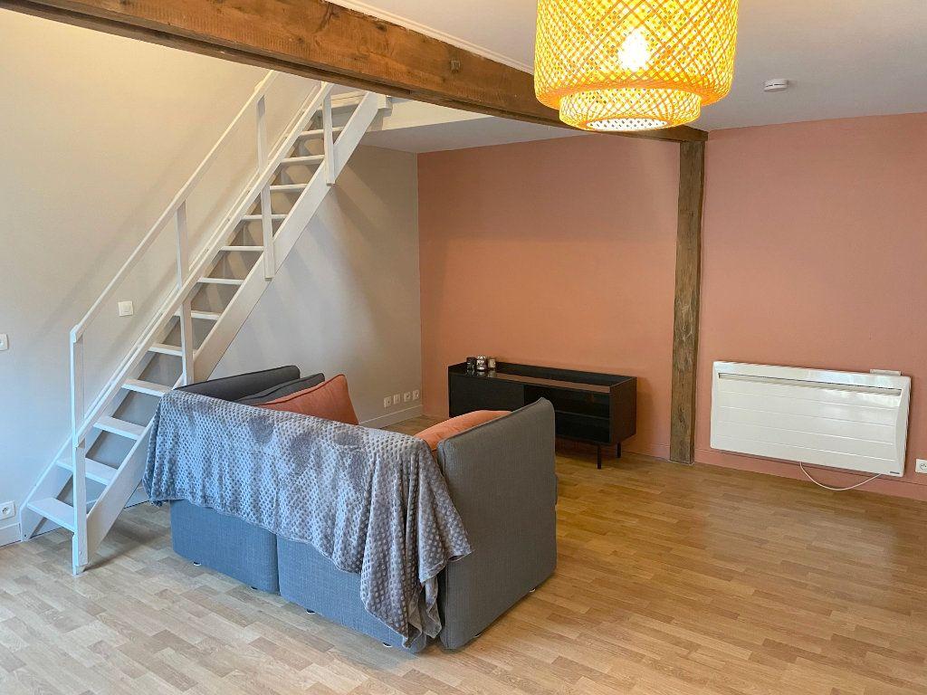 Appartement à louer 2 35m2 à Boulogne-sur-Mer vignette-1