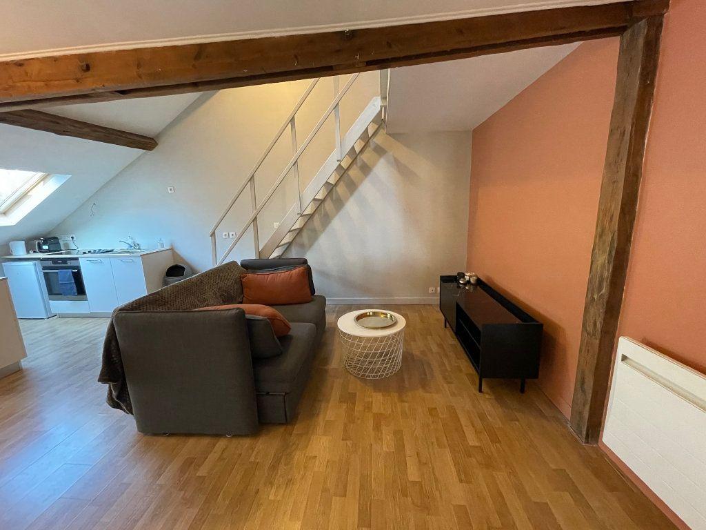 Appartement à louer 2 35m2 à Boulogne-sur-Mer vignette-3