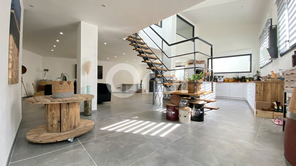 Maison à vendre 4 150m2 à Outreau vignette-1