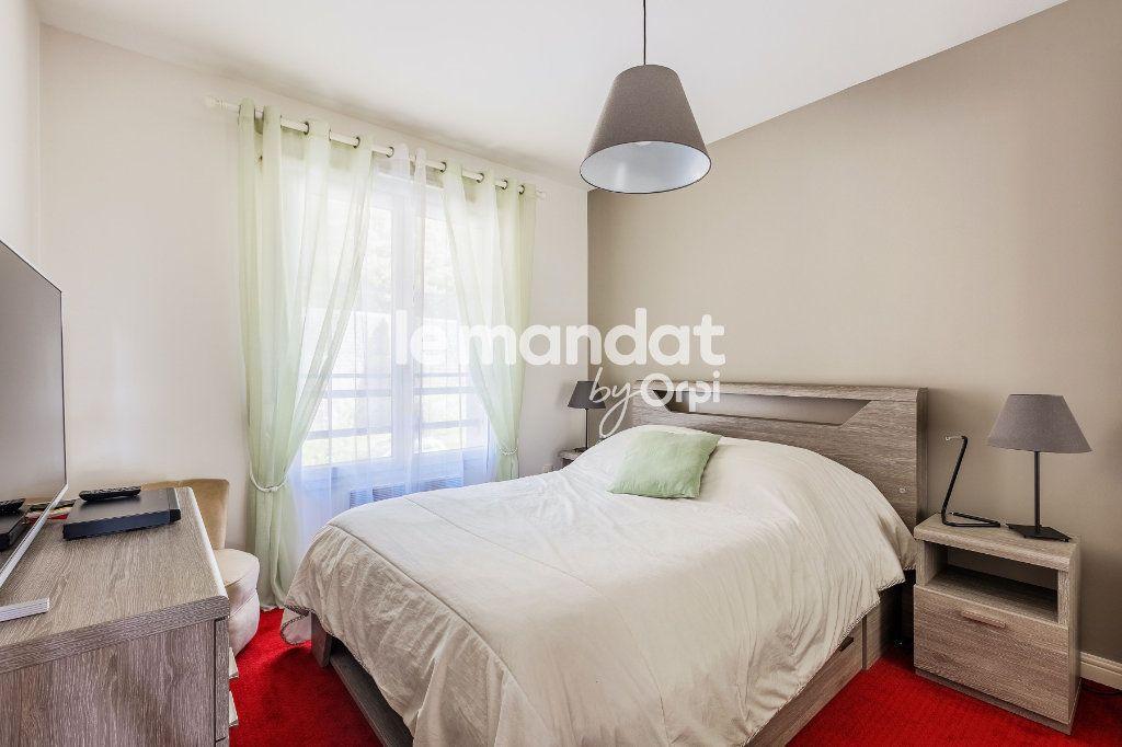 Appartement à vendre 3 62m2 à Boulogne-sur-Mer vignette-4