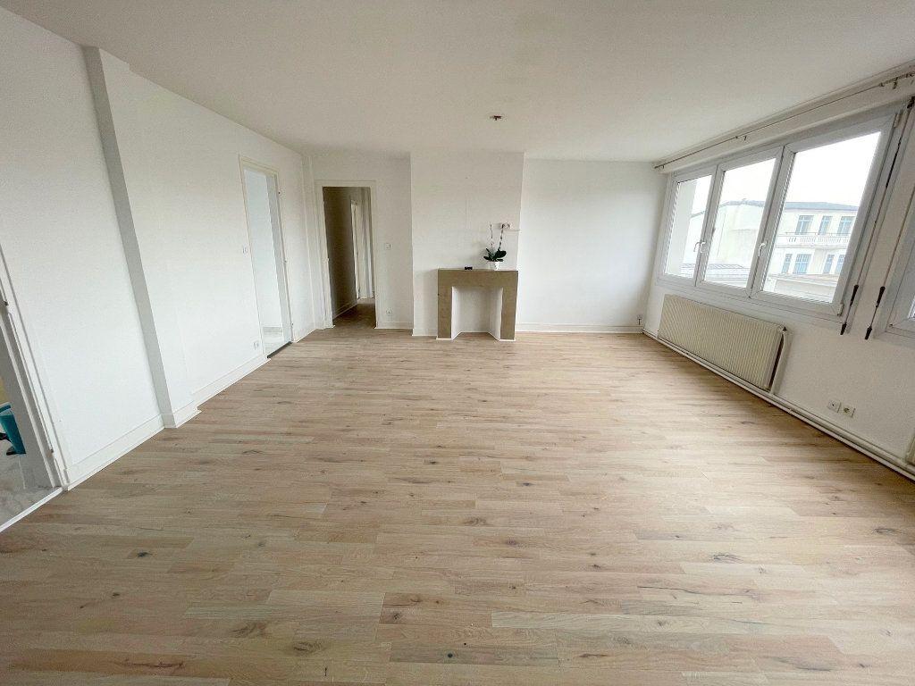 Appartement à louer 5 105m2 à Boulogne-sur-Mer vignette-1