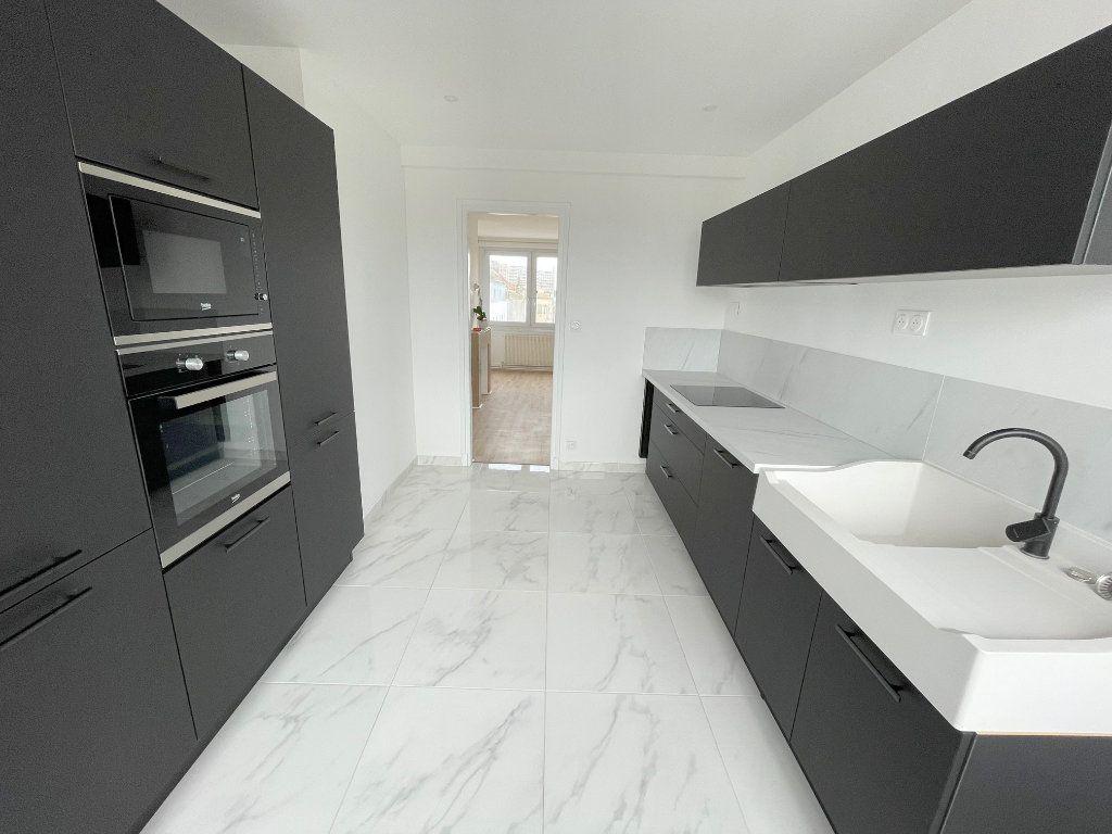 Appartement à louer 5 105m2 à Boulogne-sur-Mer vignette-4
