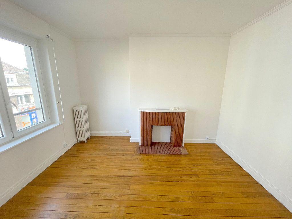 Appartement à louer 2 39m2 à Boulogne-sur-Mer vignette-1