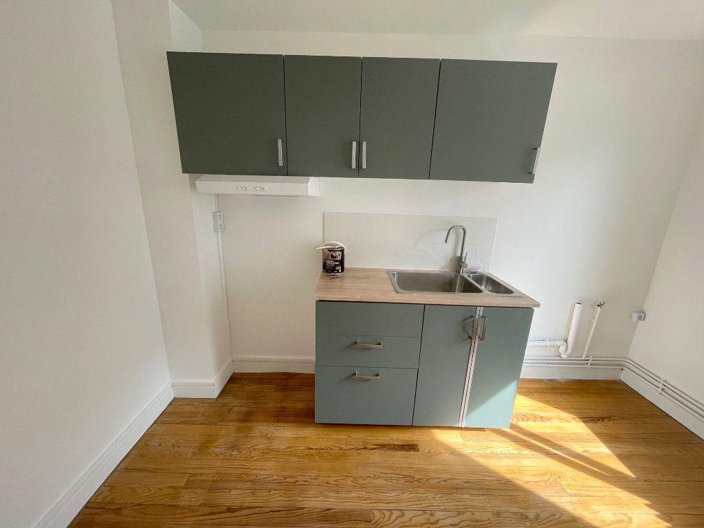 Appartement à louer 2 39m2 à Boulogne-sur-Mer vignette-2