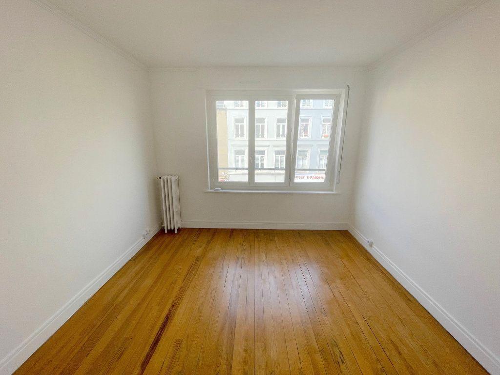 Appartement à louer 2 39m2 à Boulogne-sur-Mer vignette-3