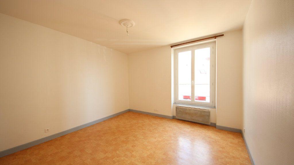 Appartement à louer 4 66m2 à Château-Thierry vignette-6