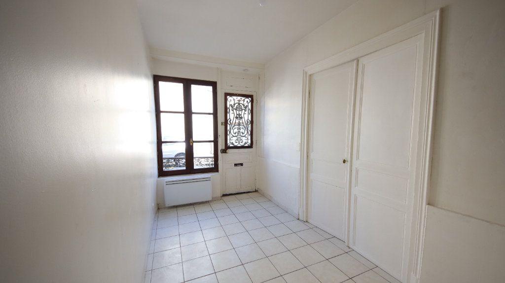 Appartement à louer 2 30.15m2 à Château-Thierry vignette-2