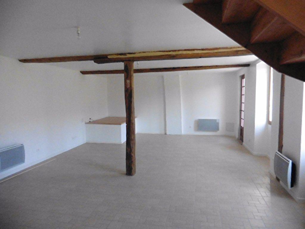Maison à louer 3 114.46m2 à Connigis vignette-4