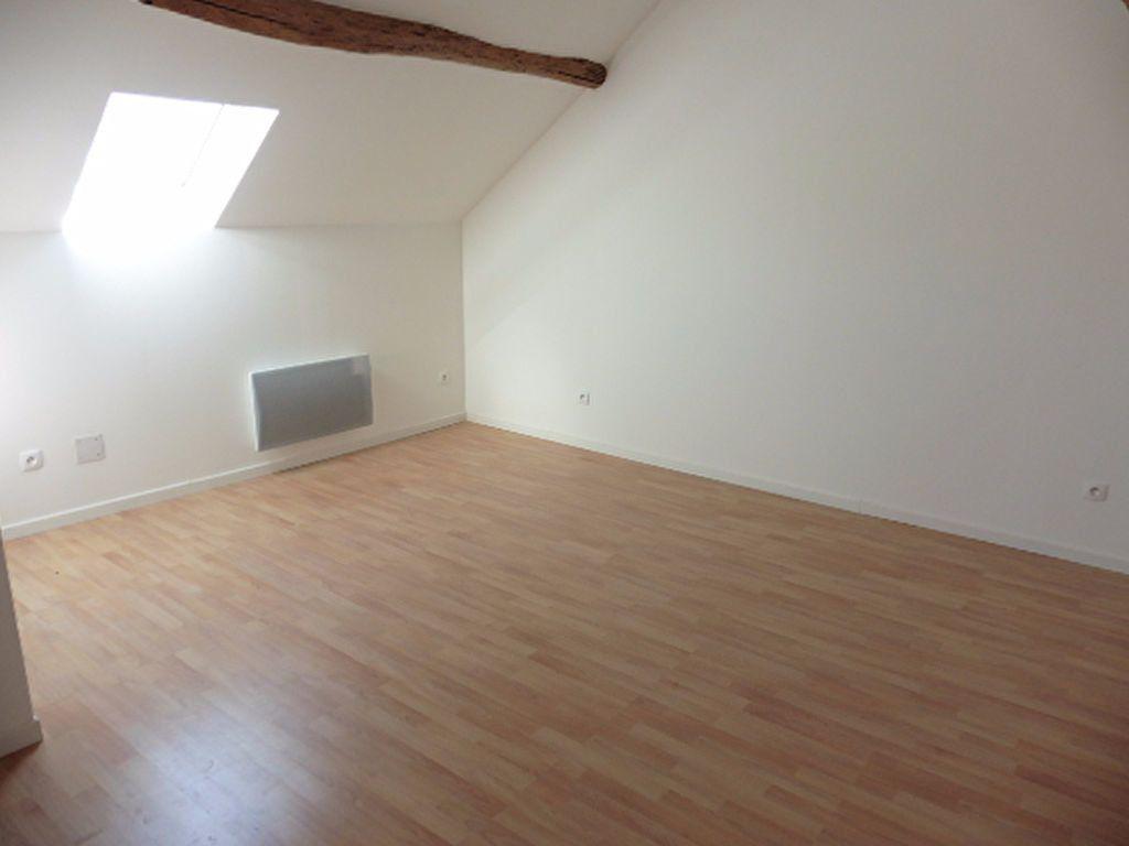 Maison à louer 3 114.46m2 à Connigis vignette-6