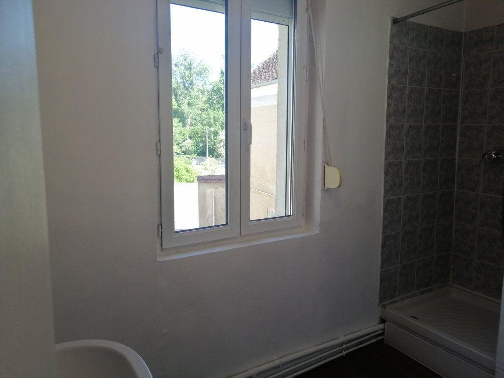 Appartement à louer 4 69.5m2 à Essômes-sur-Marne vignette-3