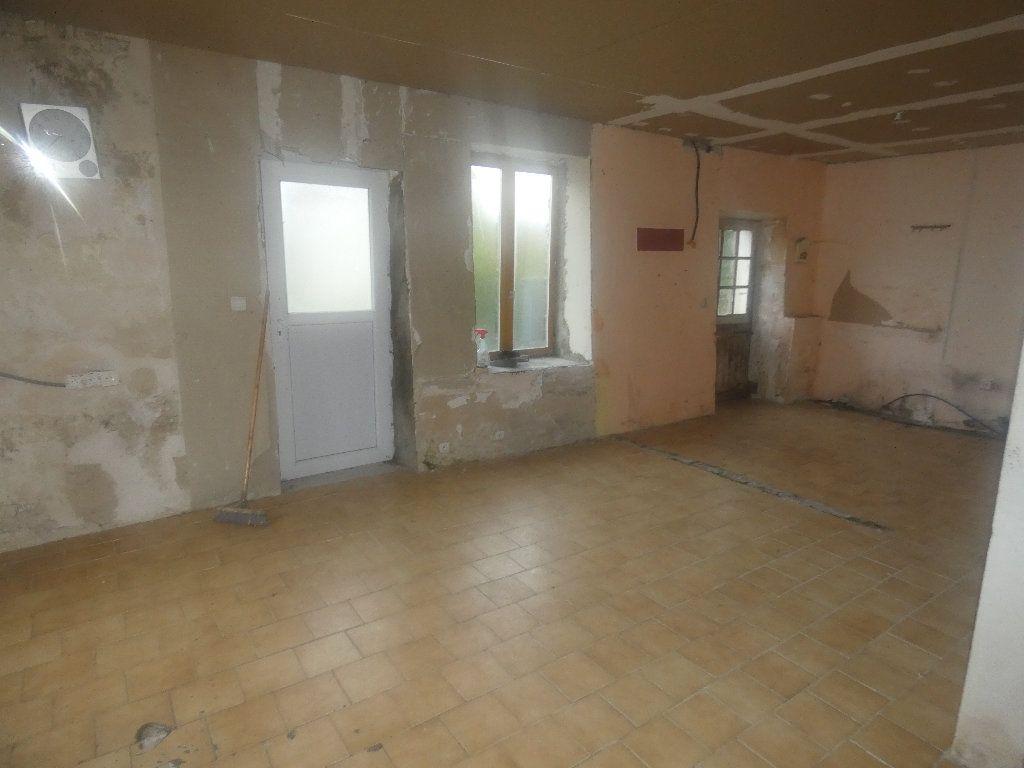 Maison à vendre 4 110m2 à Neuilly-Saint-Front vignette-4