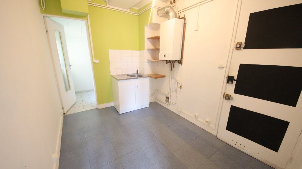 Appartement à louer 3 49m2 à Château-Thierry vignette-3