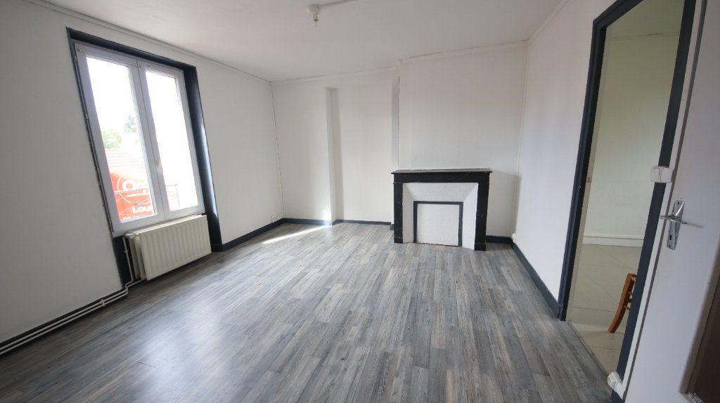 Appartement à louer 3 49m2 à Château-Thierry vignette-4