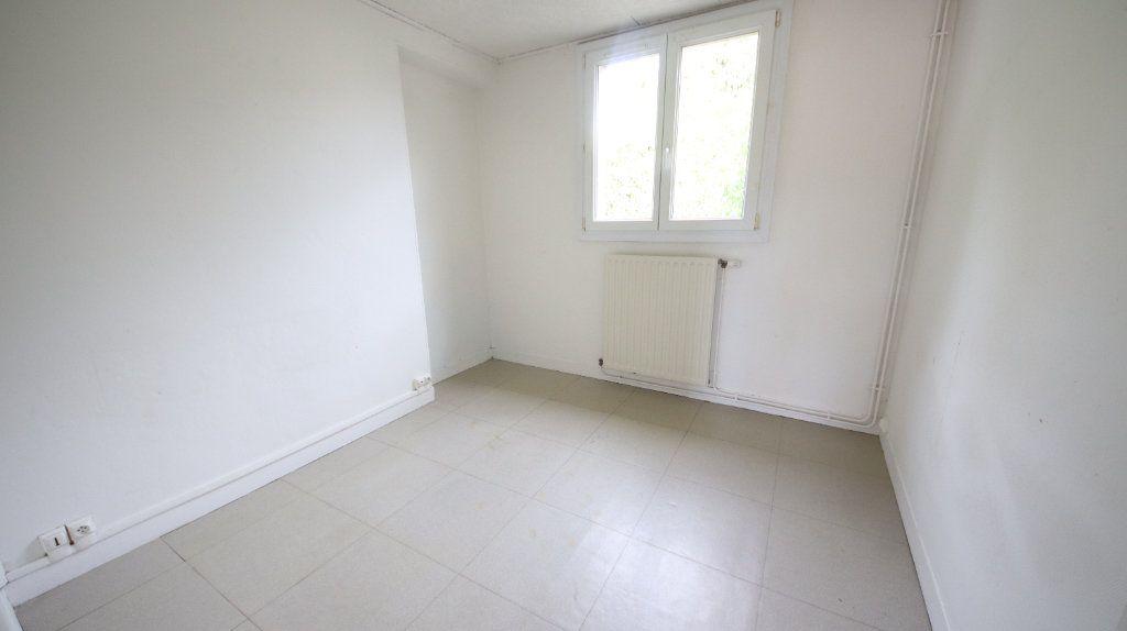 Appartement à louer 3 49m2 à Château-Thierry vignette-5