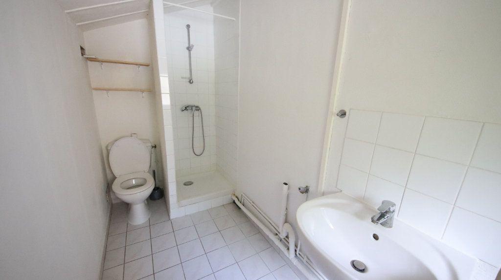 Appartement à louer 3 49m2 à Château-Thierry vignette-6