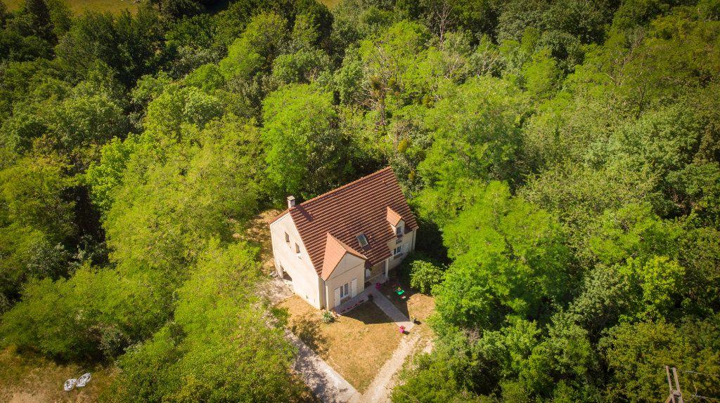 Maison à vendre 6 148.5m2 à Crouttes-sur-Marne vignette-1