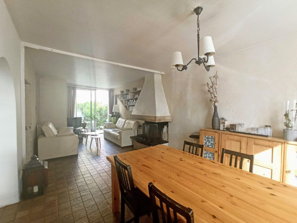 Maison à vendre 6 120m2 à Charly-sur-Marne vignette-1