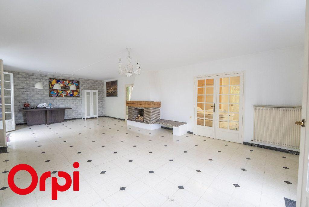 Maison à vendre 7 175m2 à Château-Thierry vignette-2