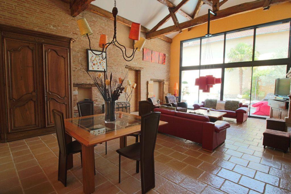 Maison à vendre 6 202.5m2 à Caussade vignette-1