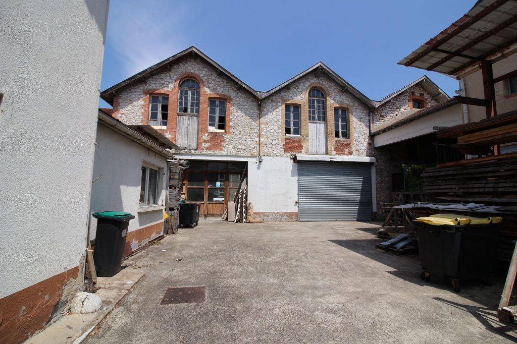 Maison à vendre 6 202.5m2 à Caussade vignette-14