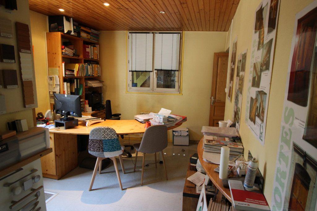 Maison à vendre 6 202.5m2 à Caussade vignette-15