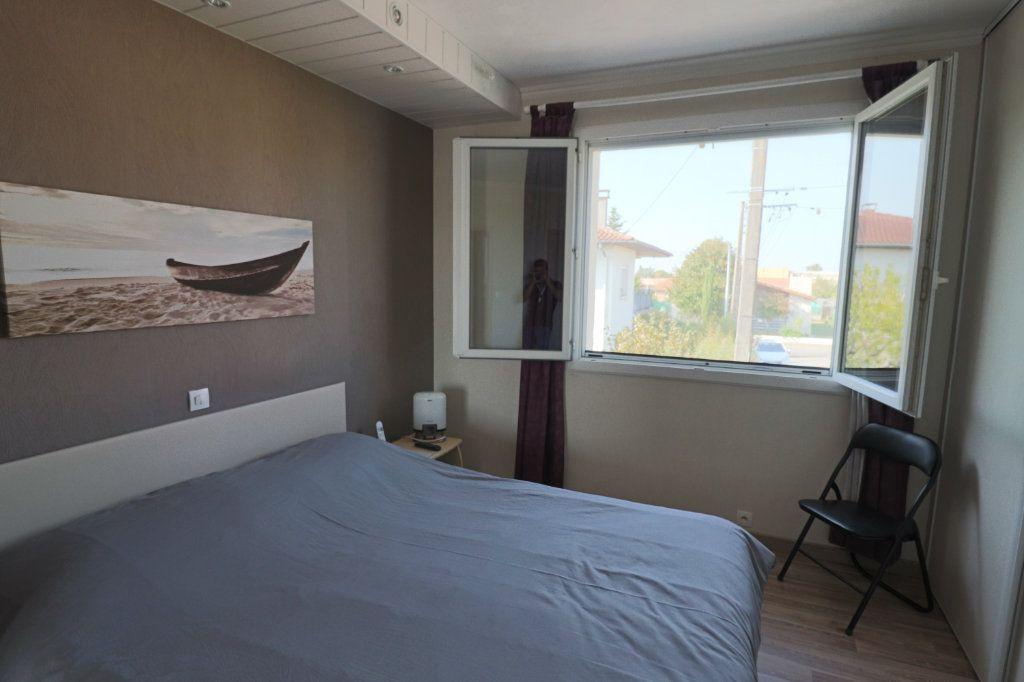 Maison à vendre 7 203m2 à Bressols vignette-5