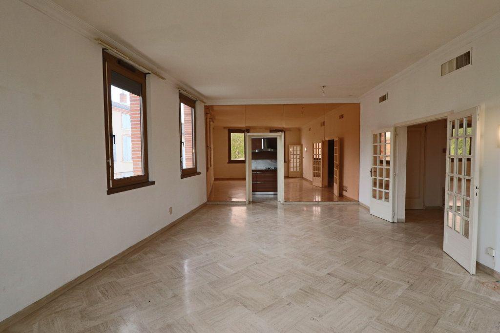 Appartement à louer 4 123m2 à Montauban vignette-1