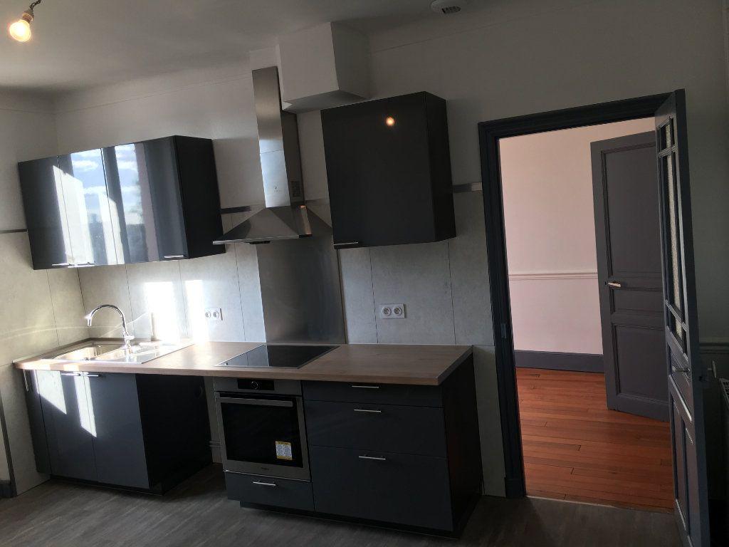 Appartement à louer 4 117m2 à Caussade vignette-6