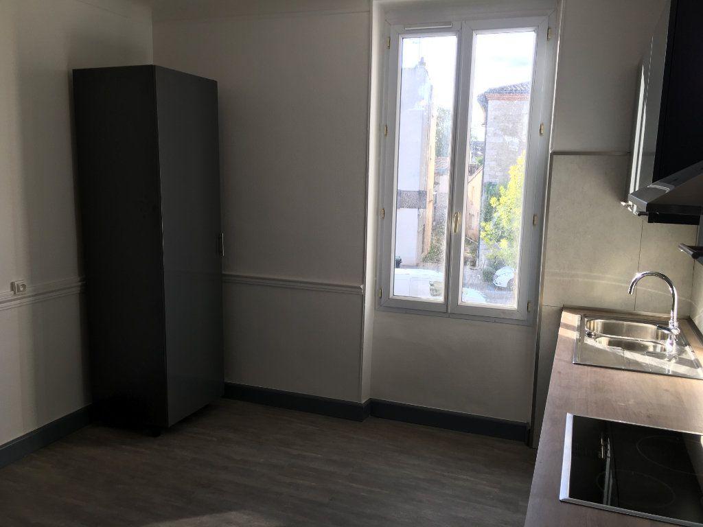 Appartement à louer 4 117m2 à Caussade vignette-7