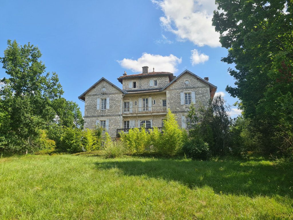 Maison à vendre 17 560m2 à Montpezat-de-Quercy vignette-1