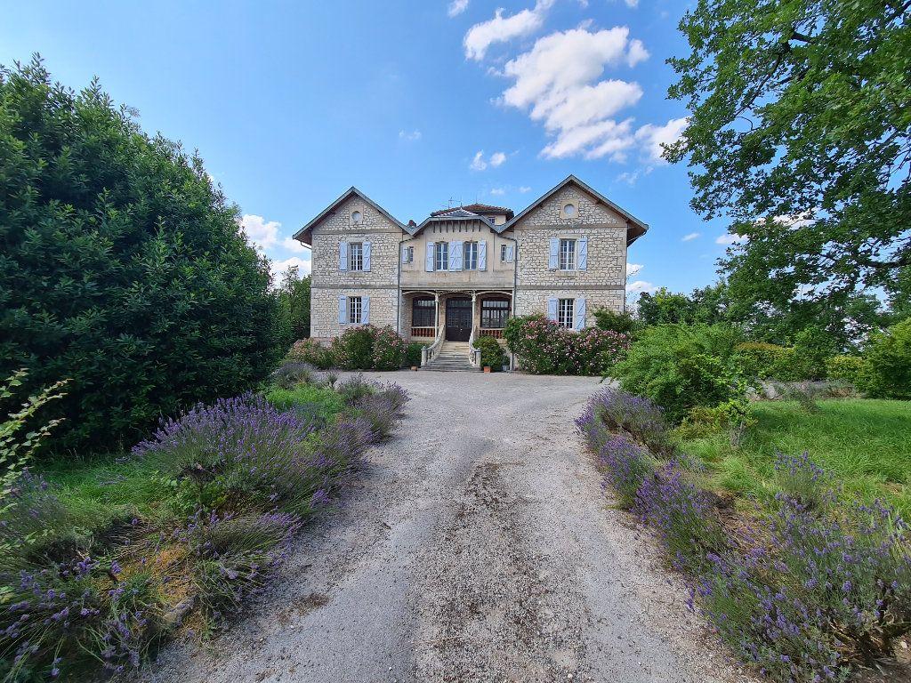 Maison à vendre 17 560m2 à Montpezat-de-Quercy vignette-6