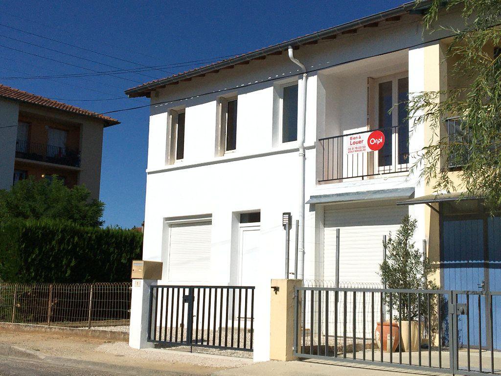 Maison à louer 4 68.01m2 à Caussade vignette-1