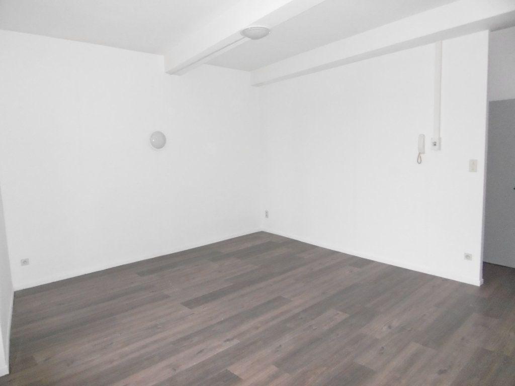 Appartement à louer 2 39m2 à Montauban vignette-1
