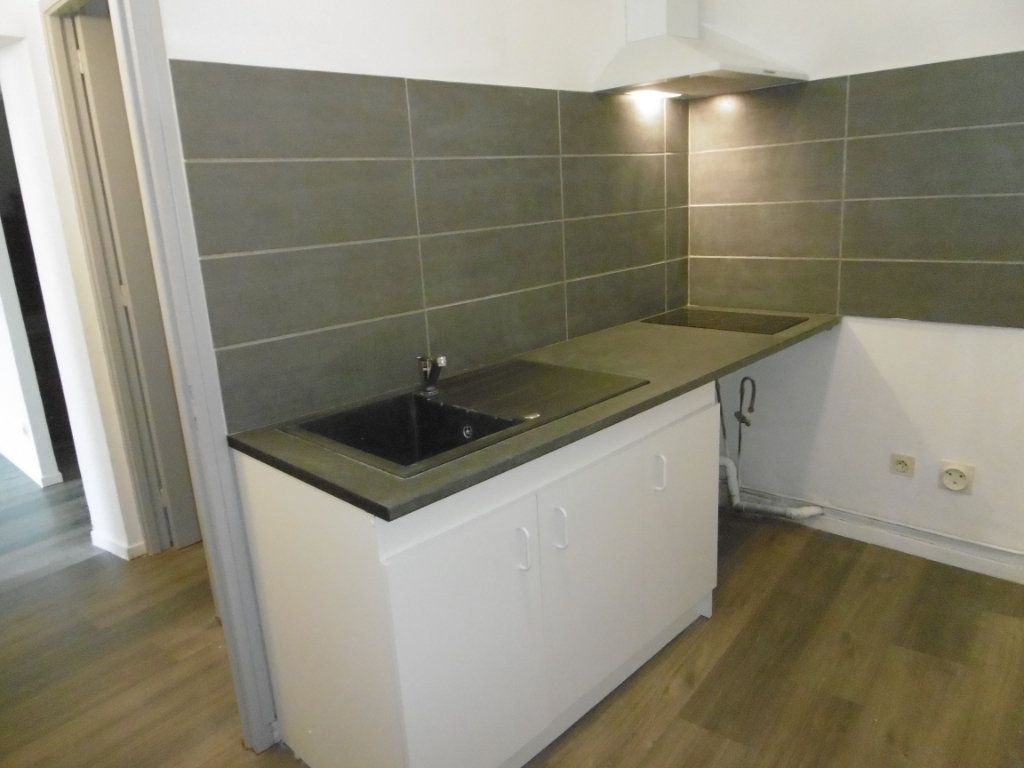Appartement à louer 2 39m2 à Montauban vignette-2