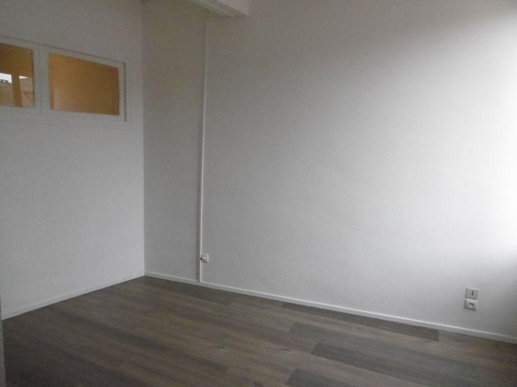 Appartement à louer 2 39m2 à Montauban vignette-3