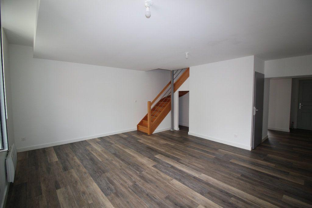 Appartement à louer 4 93m2 à Montauban vignette-1