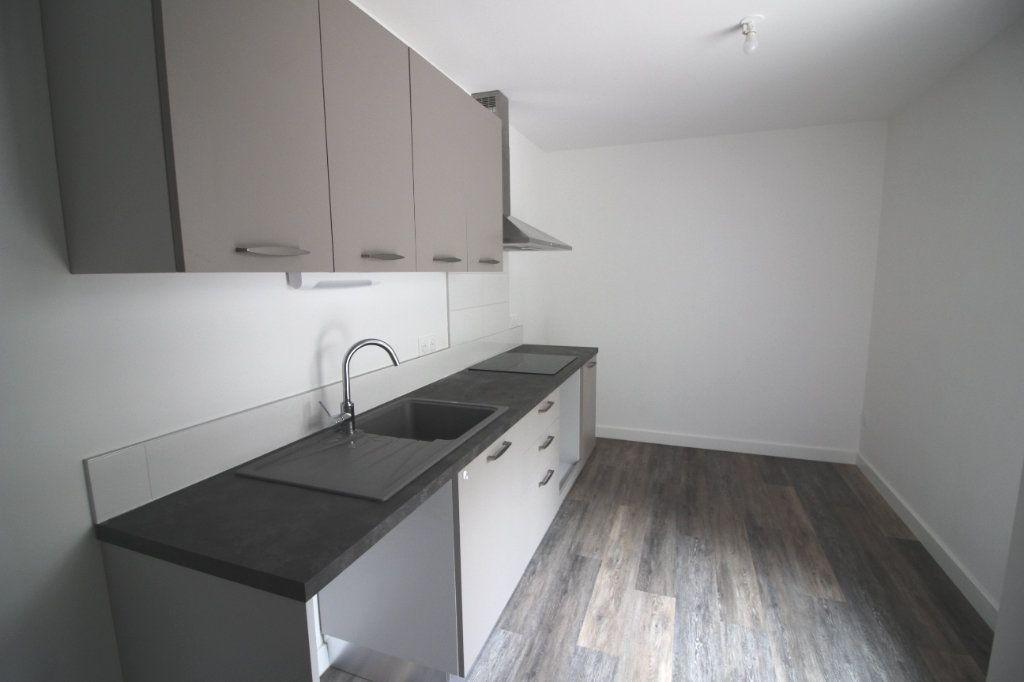 Appartement à louer 4 93m2 à Montauban vignette-2
