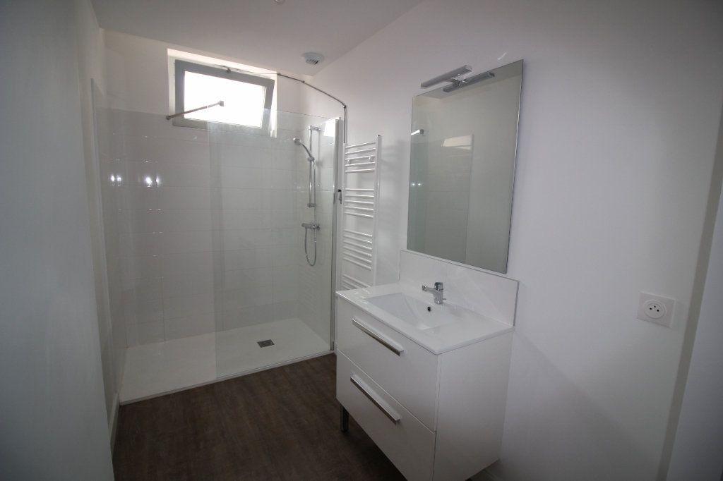 Appartement à louer 4 93m2 à Montauban vignette-3