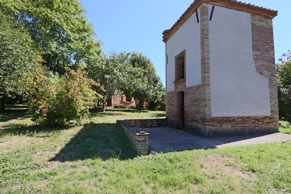 Maison à vendre 5 215m2 à Montauban vignette-2