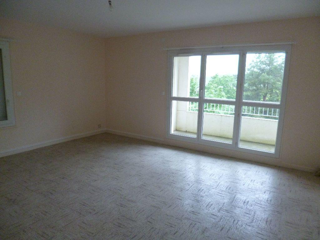 Appartement à louer 2 54m2 à Les Bordes vignette-1