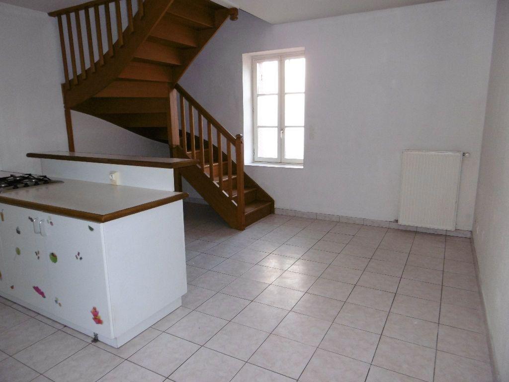 Appartement à louer 3 43m2 à Sully-sur-Loire vignette-3