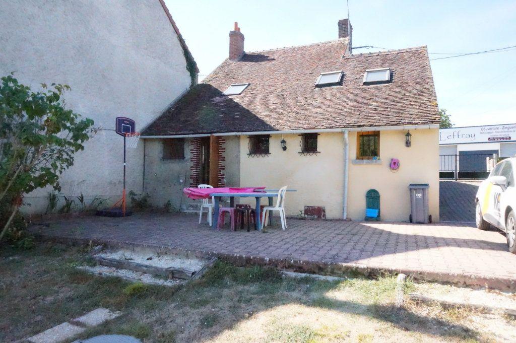 Maison à vendre 5 80m2 à Montbouy vignette-1
