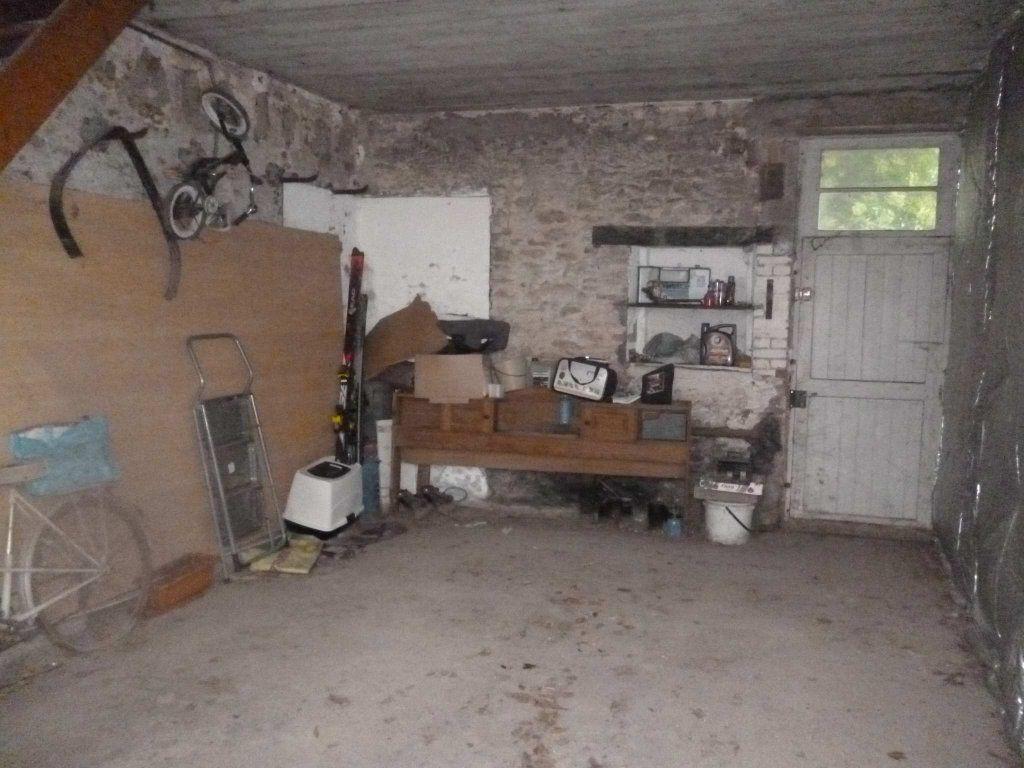 Maison à vendre 6 120m2 à Varennes-Changy vignette-9