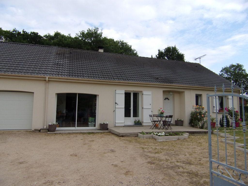 Maison à louer 5 100m2 à Vieilles-Maisons-sur-Joudry vignette-1