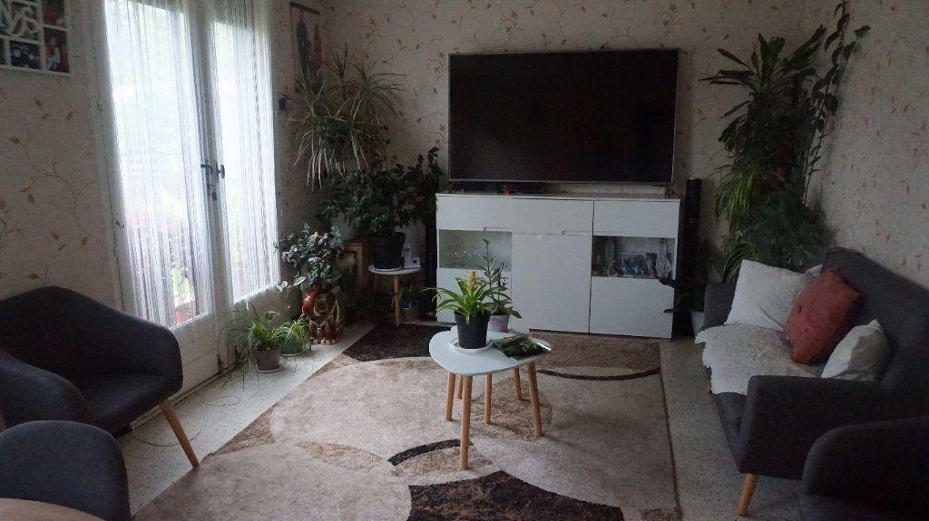 Maison à vendre 4 74m2 à Varennes-Changy vignette-11