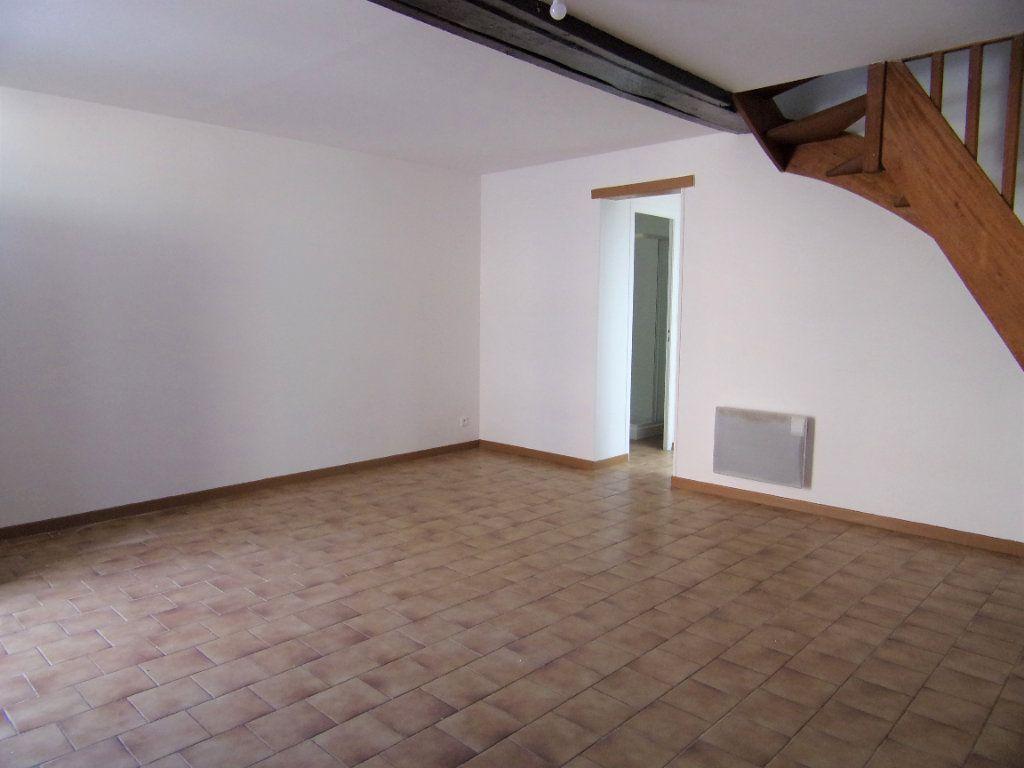 Maison à louer 2 50m2 à Lorris vignette-2