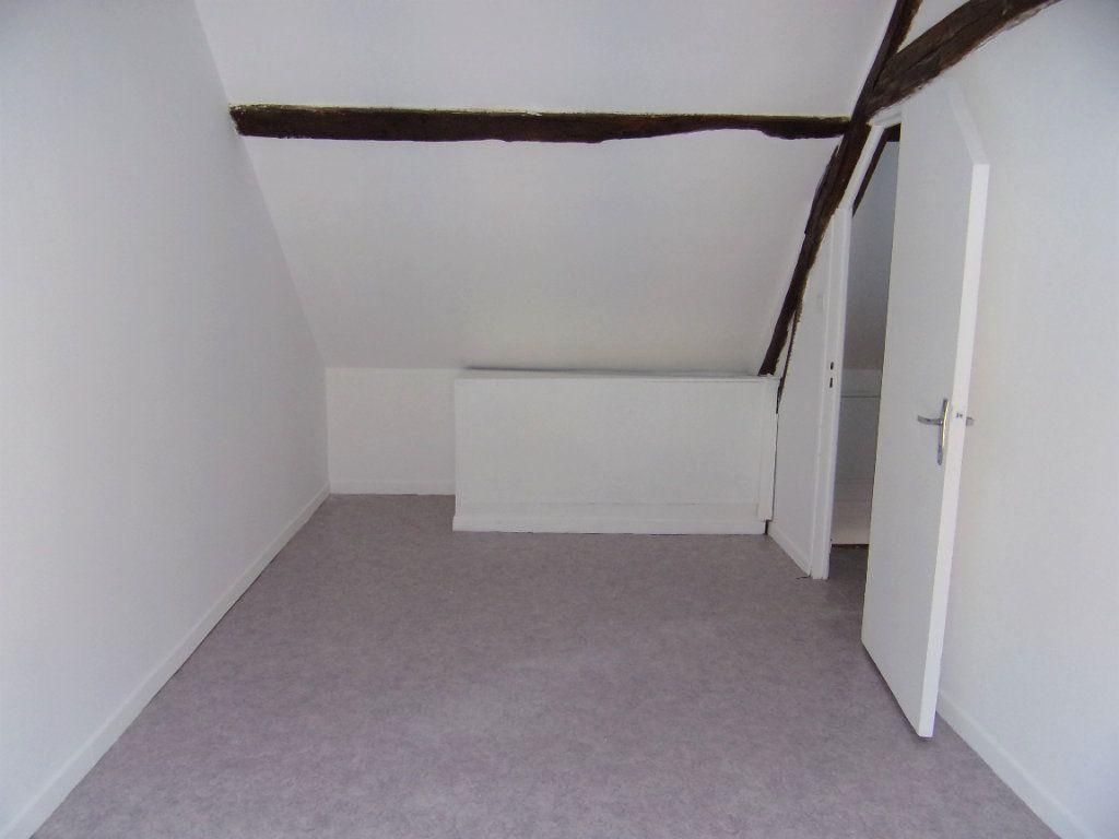 Maison à louer 2 50m2 à Lorris vignette-6