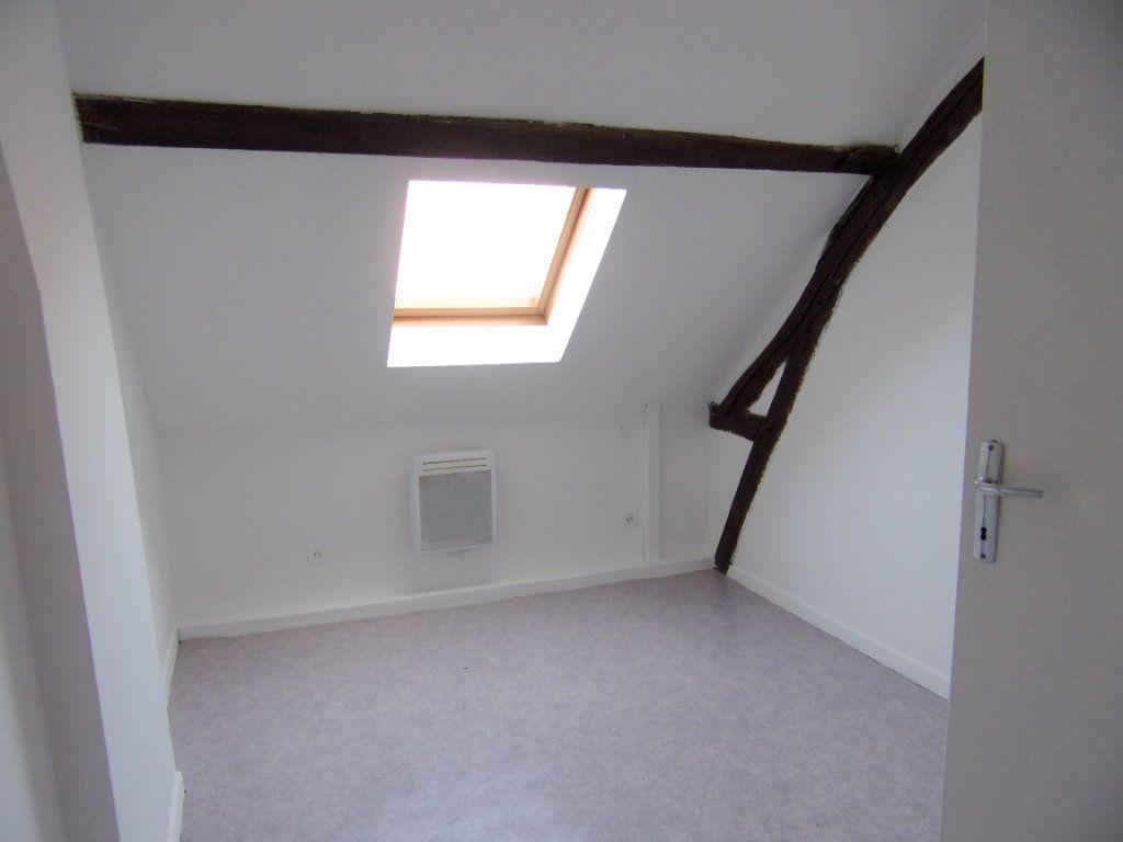 Maison à louer 2 50m2 à Lorris vignette-7