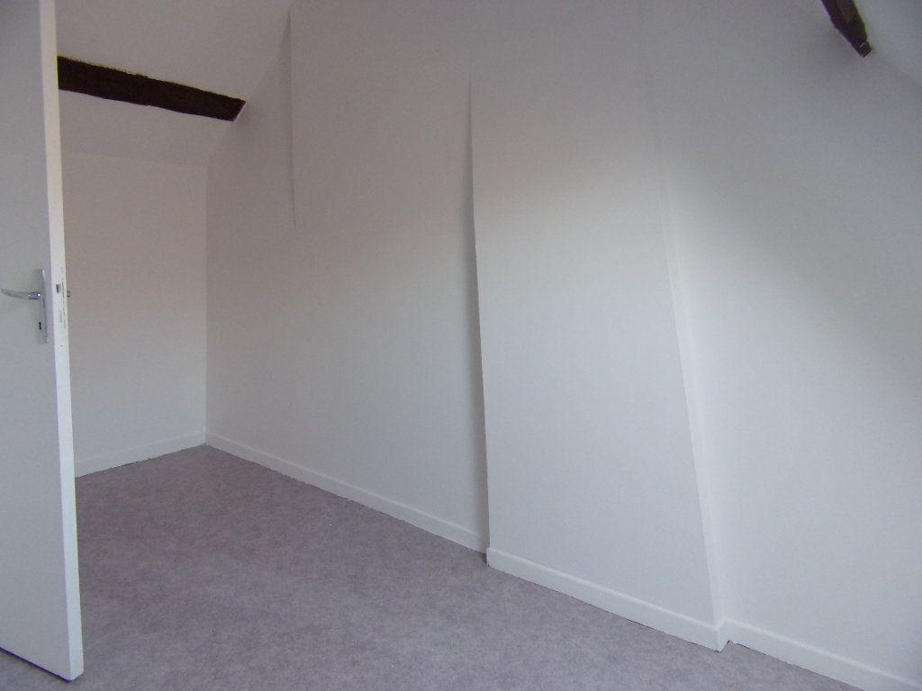 Maison à louer 2 50m2 à Lorris vignette-8